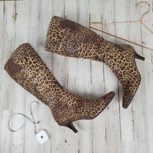 Impo leopard/cheetah print stretch boots EUC sz 7